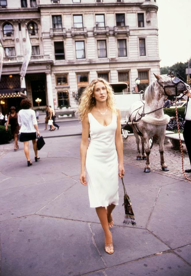Carrie Bradshaw In Nyc Life As A Single Writer Tracy S Math Wallpaper Golden Find Free HD for Desktop [pastnedes.tk]