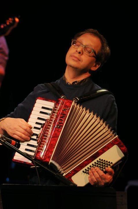 Larry Adler - Larry Plays Gershwin