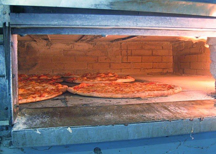 Pizza, brick oven, nyc, queens, howard beach pizza