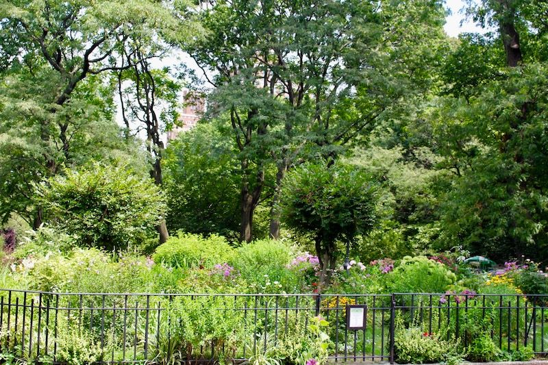 Attractive Stop By The 91st Street Garden, And You Too Will Imagine That Youu0027re Living  In A Nora Ephron Movie.