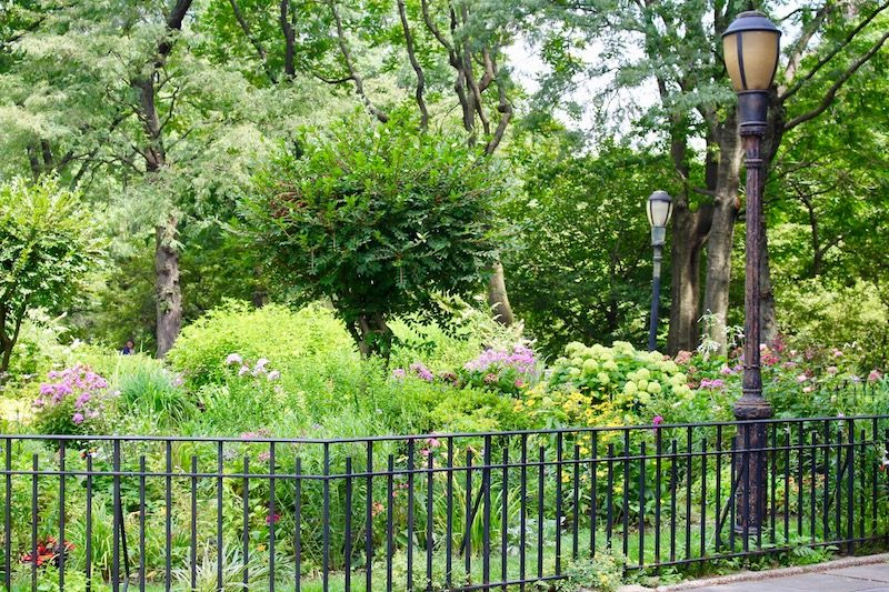 This Area Of Riverside Landed A Supporting Role In The Popular Film, Youu0027ve  Got Mail, Starring Meg Ryan And Tom Hanks. The 91st Street Garden Was The  ...